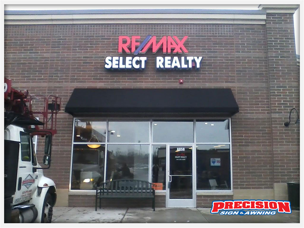 remax-commercial-awning_c